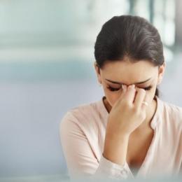 Trataţi eficient migrenele! Nu aşteptaţi ca durerea să treacă de la sine