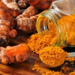 Turmericul, ingredientul minune împotriva rezistenței bacteriilor la antibiotice