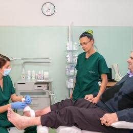 Românii vor beneficia de noi servicii medicale gratuite de la 1 aprilie: consultaţii la dentist, RMN şi proteze