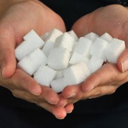 Nu mâncaţi zahăr în exces! Acesta poate fi dăunător sănătăţii