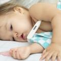 Mare atenţie la febra copiilor, să nu depăşească 38 de grade Celsius!